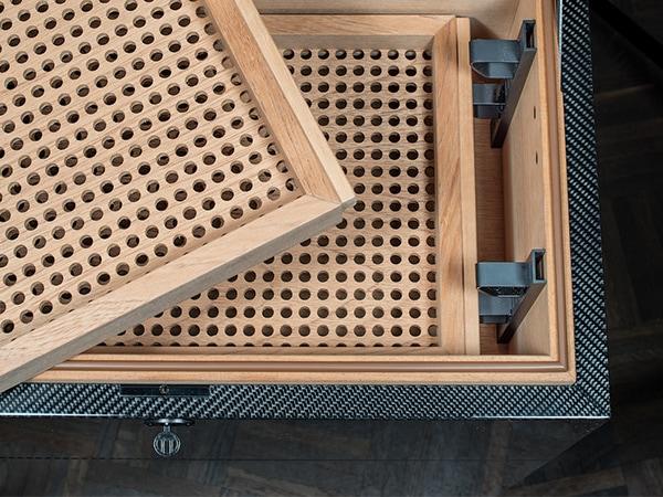 GERBER Humidor Carbon Innenraum