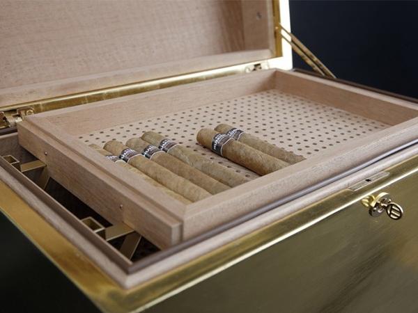 GERBER Humidor Cube Gold offen