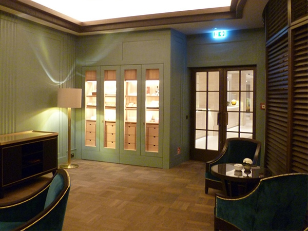 Cigar Lounges Hotel Adlon Berlin GERBER Humidor